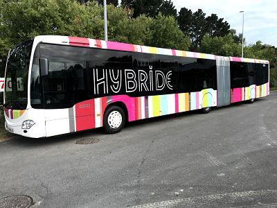 Lettrage découpés sur les nouveaux Bus articulé Hybride de l'agglomération du Pays basque